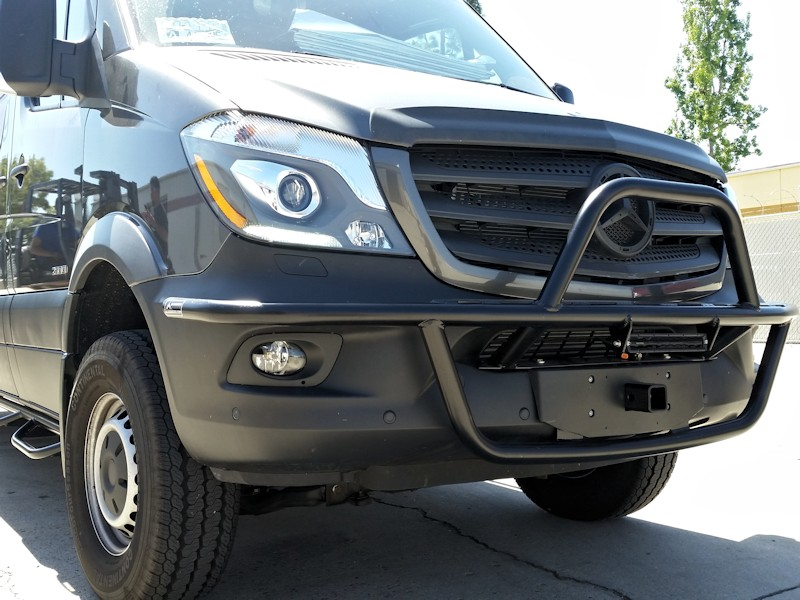 Mercedes-Sprinter-Light-Bar1