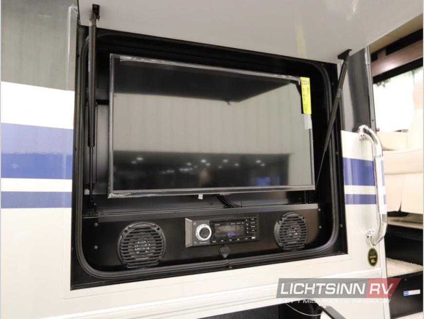 Winnebago Adventurer outdoor entertainment system